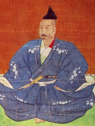 Миёси Токэй изображен на вершине славы, когда он безраздельно хозяйничал в Киото и фактически управлял марионеточным сёгуном Ёситэру. Он одет в голубой хитатарэ с гербами павлонии - кири, вторым по значению гербом после императорской хризантемы. Гербы павлонии были отличительным знаком сёгунов рода Асикага с 1336 г., и их наличие на одежде Токэй подчеркивает его высокий статус.